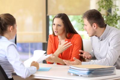 arbeidsconflict Stappenplan, aanpak, personeelsruzies, MKB, Servicedesk, werkvloer, regelmatig, onenigheid, Als, negatieve, gevolgen, hebben, werksfeer, voorkom